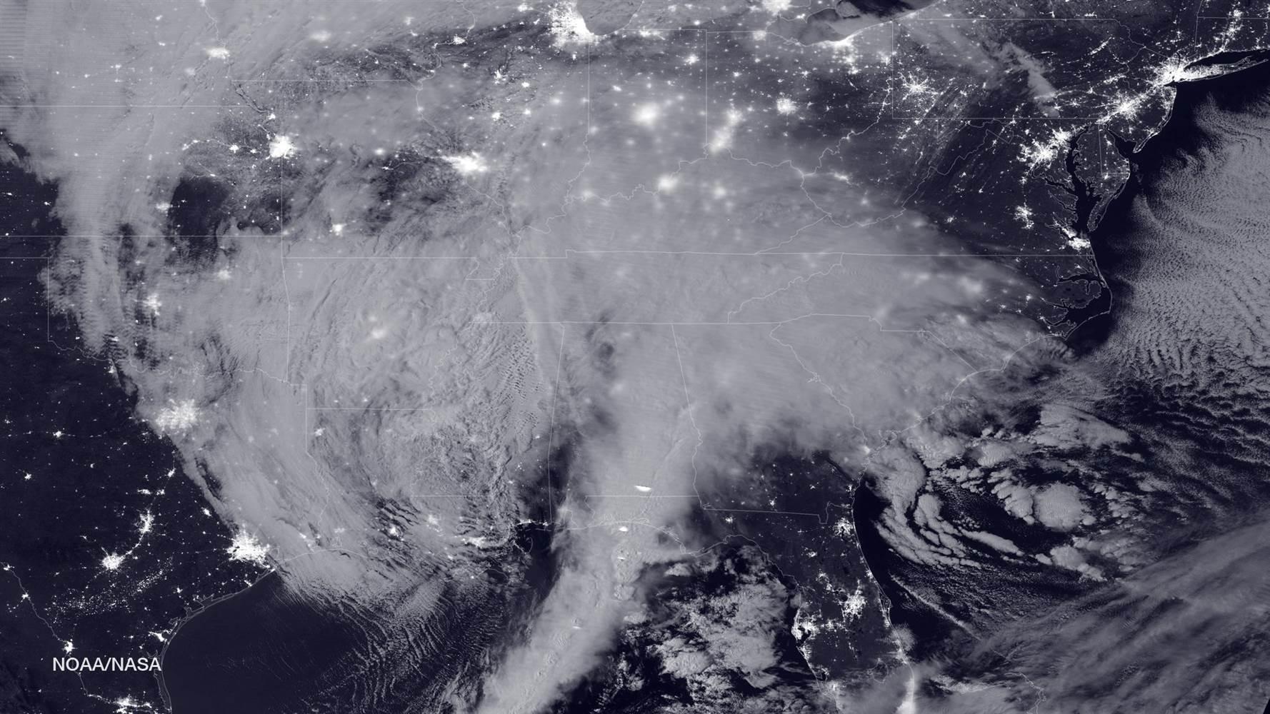 160122-blizzard-noaa-nasa-1129a_279ac09ea40c344dda5728f22b2b9a91.nbcnews-ux-2880-1000